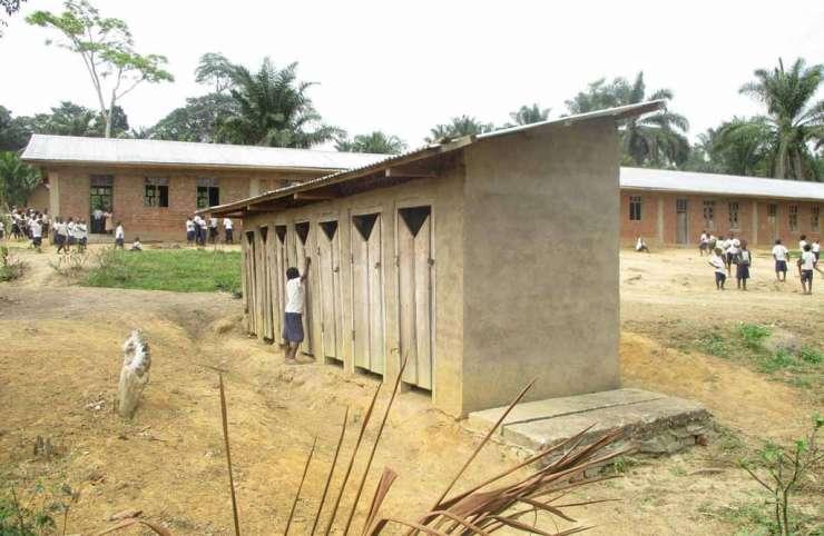 Latrinisation des écoles en milieu rural :  Vers la fin à la défécation à l'air libre?