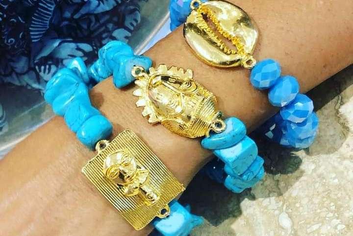 Bijoux : les poids baoulés recyclés dans la mode