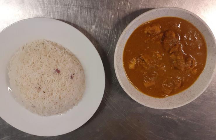 Recette proposée par une internaute : Cooking with Madi curry au poulet