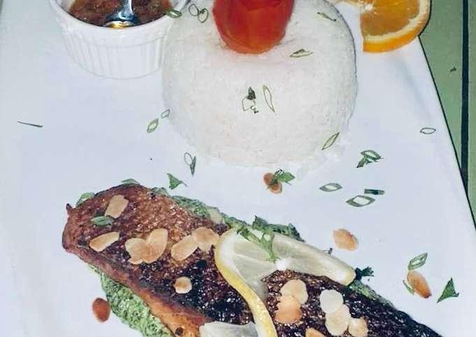 Recette: saumon sur son lit d'épinard et crème de brie