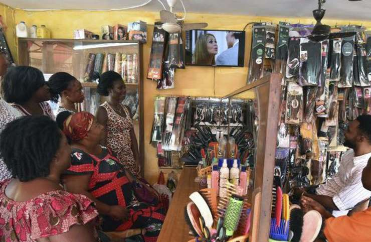 Fête de fin d'année: plus de répit pour les coiffeuses
