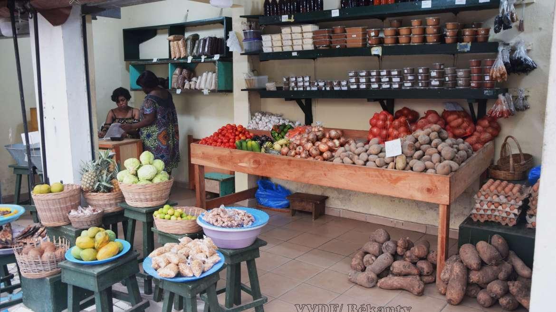Grenier du Djomi : le petit marché du vivrier