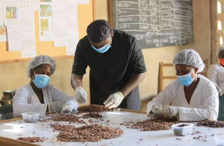 E. Axel Gbaou : le chocolatier qui a choisi les femmes